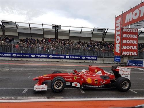 Delirio Ferrari al Motor Show di Bologna con Antonio Giovinazzi
