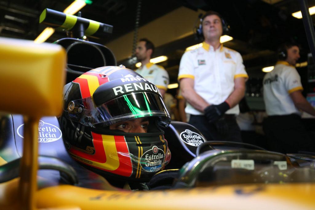 "F1 | Renault, Abiteboul promuove Sainz: ""Ha portato energia positiva"""