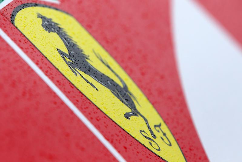 F1   Nuovo anno, vecchio logo: la Ferrari si riaffida allo stemma con il Cavallino Rampante