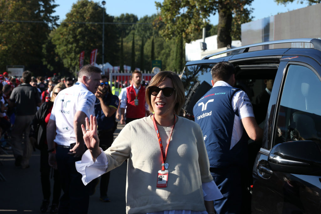 "Formula 1 | Claire Williams si schiera dalla parte di Liberty Media: ""Grid Girls? Le donne vivranno il paddock sotto altre vesti"""