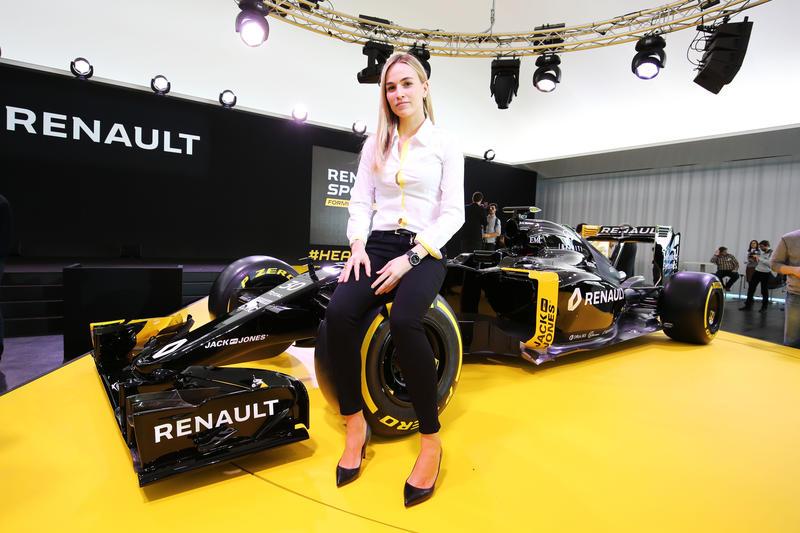 F1 | Le donne in Formula 1: è botta e risposta tra Carmen Jordá e Jenson Button