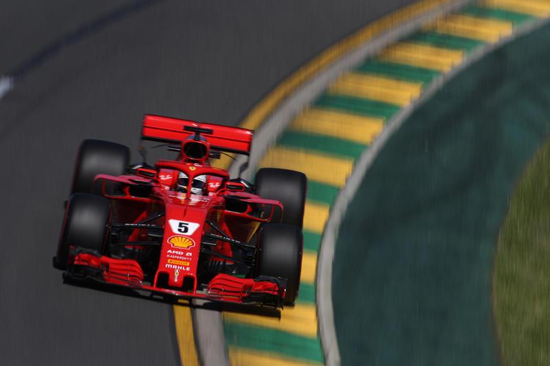 F1 GP Australia, Prove Libere 3: Vettel davanti a Raikkonen in una sessione bagnata