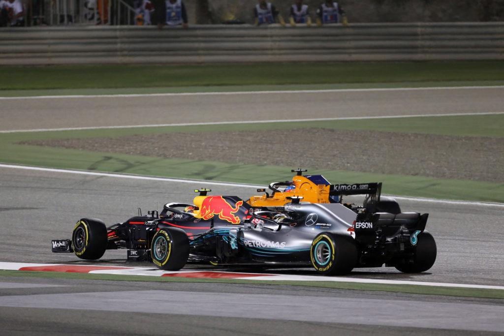 """F1   Horner difende Hamilton dopo lo sfogo su Verstappen: """"Max e Lewis sono due piloti aggressivi"""""""