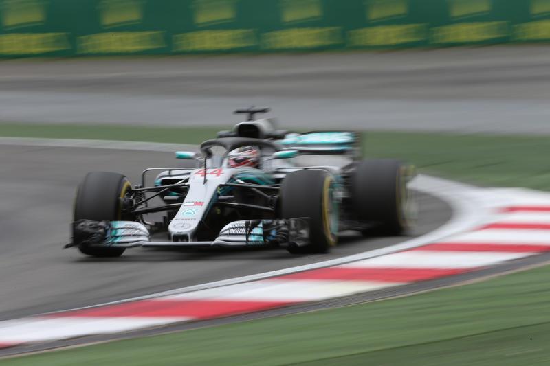 F1 GP Cina, Prove Libere 2: ancora Hamilton davanti a Raikkonen