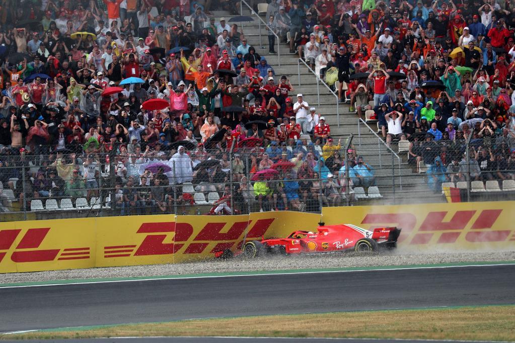 F1 | La fragilità che non esiste: Vettel, Hamilton, il peso della tuta rossa
