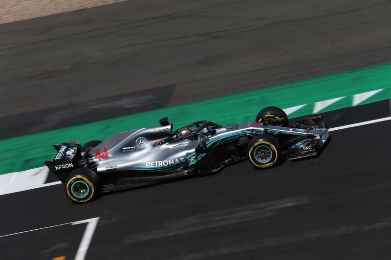 F1 GP Gran Bretagna, Qualifiche: Hamilton agguanta la 76esima pole della carriera