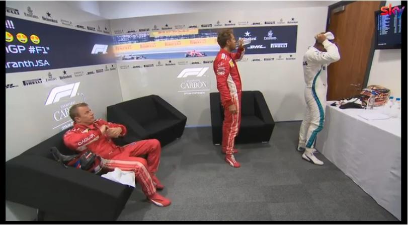 F1 | Hamilton polemico: mancata stretta di mano con Raikkonen nella saletta pre podio [VIDEO]