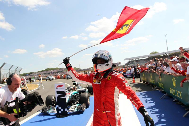 Vettel più forte del dolore: