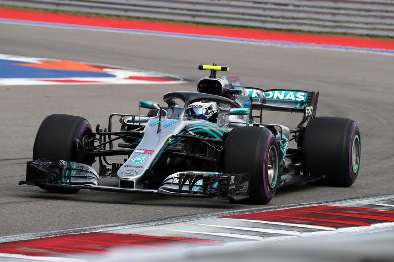 F1 GP Russia, qualifiche: prima fila tutta Mercedes, Bottas in pole