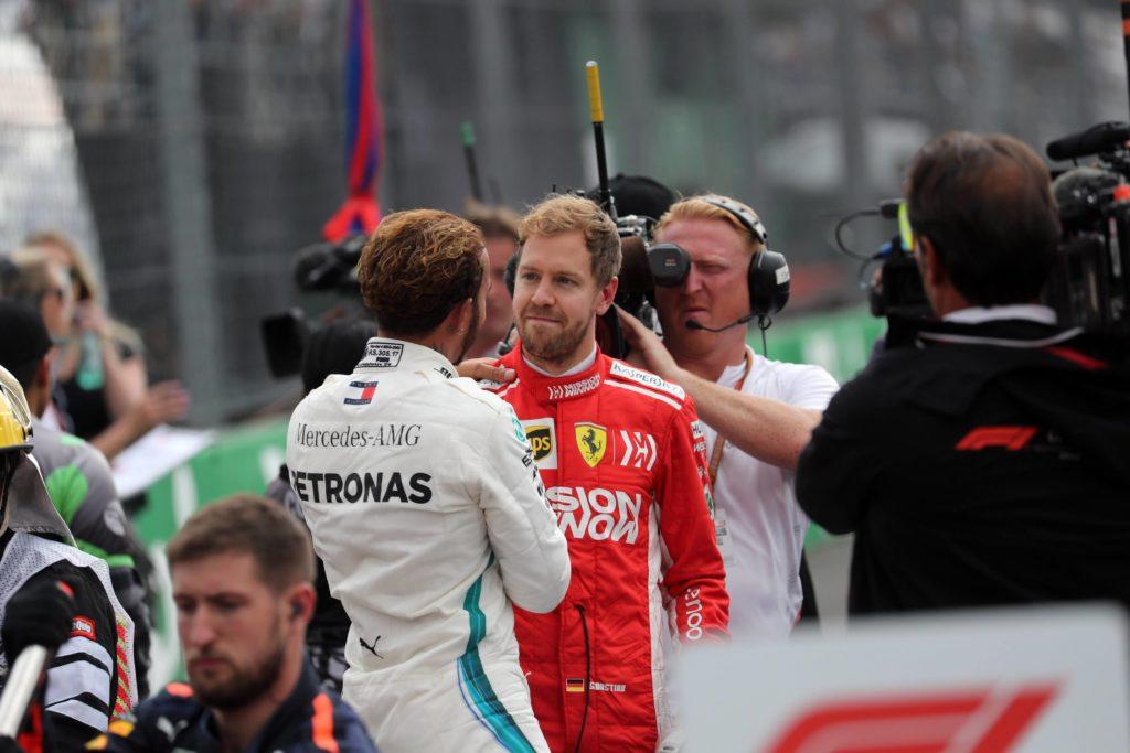 Hamilton titolo storico e meritato, le ombre sui mozzi forati Mercedes spazzate via da…Vettel!