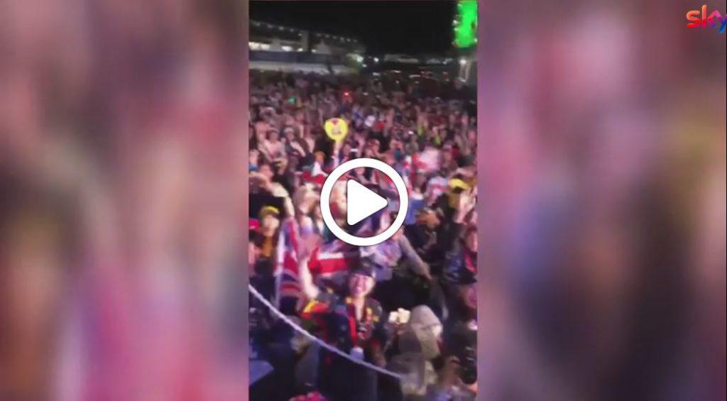 F1 | Hamilton si gode la pole a Suzuka e l'entusiasmo dei tifosi [VIDEO]