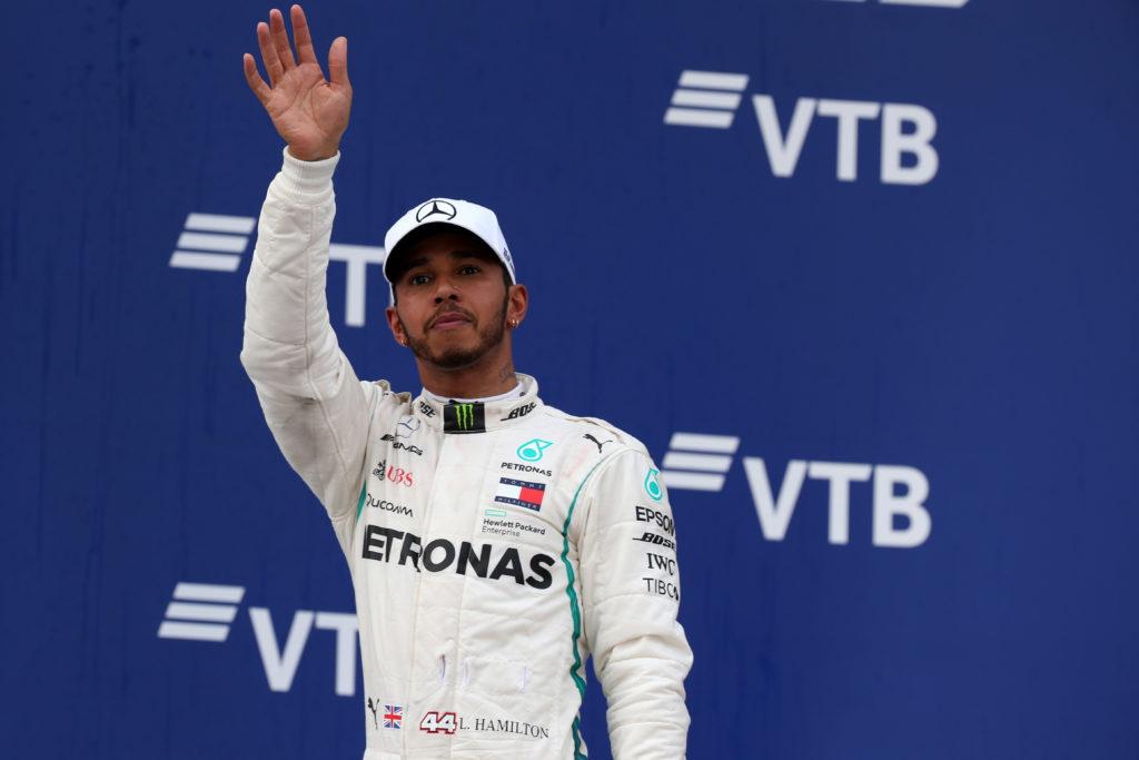 Hamilton stoccata a Vettel e al team Ferrari