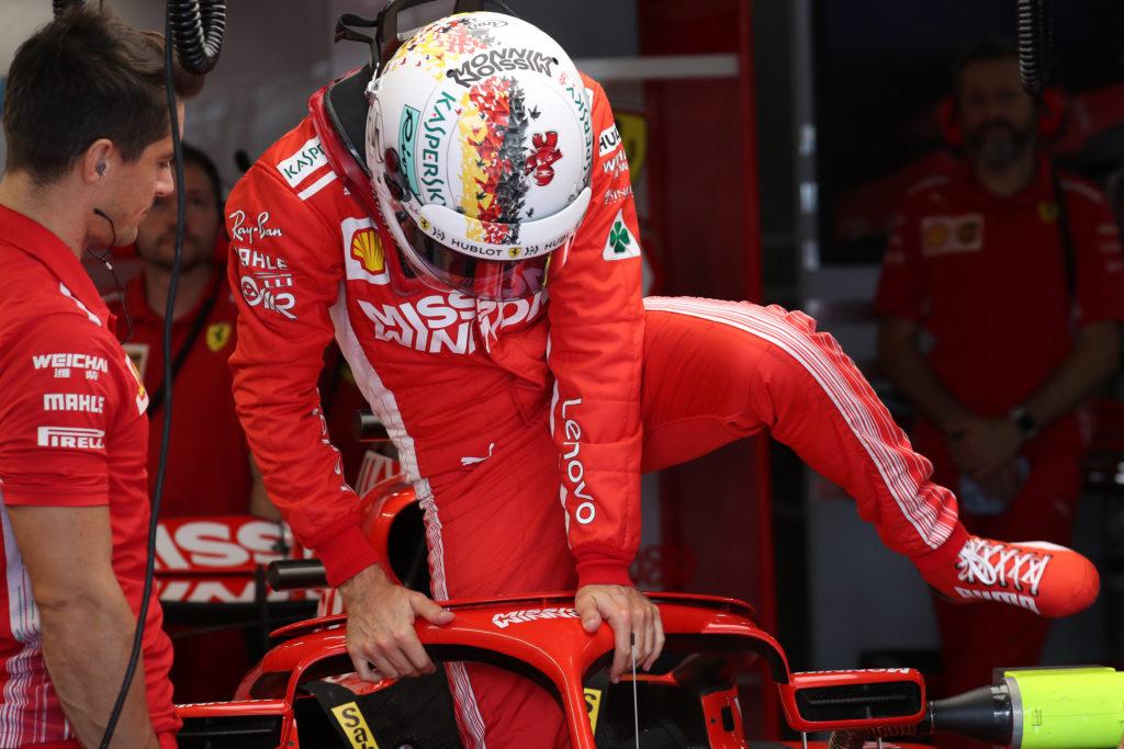 """F1   Stampa britannica a gamba tesa su Vettel: """"Ha regalato il Mondiale ad Hamilton"""""""