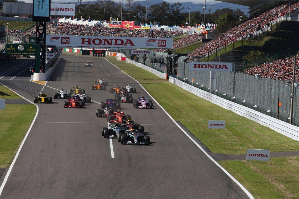 F1 | Dal 2019 la bandiera a scacchi sarà sostituita da un pannello luminoso