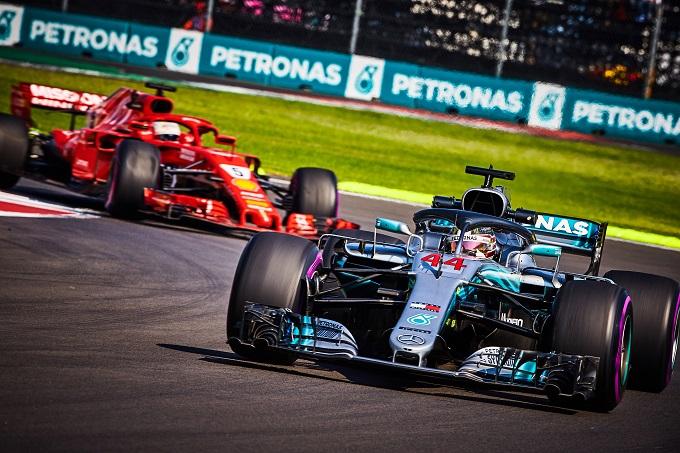 """F1   GP Messico, Ferrari si complimenta con Hamilton e lancia la sfida alla Mercedes: """"Decisi a lottare fino alla fine per il trofeo costruttori"""""""