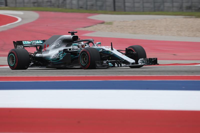 F1 GP Stati Uniti, Qualifiche: pole di Hamilton davanti a Vettel, che partirà però quinto