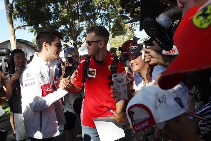 Recuperare Vettel e gestire Leclerc, il difficile compito al quale è chiamata la Ferrari