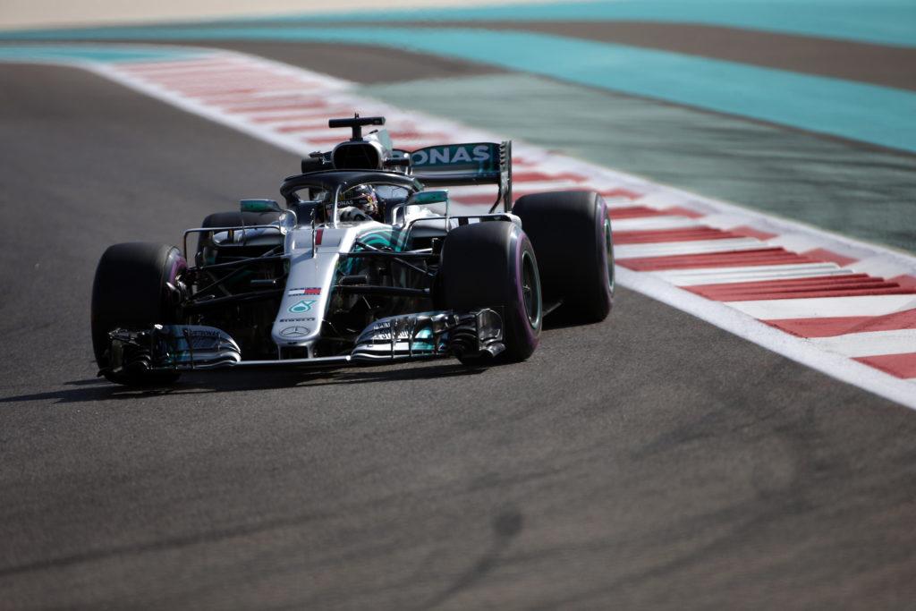 F1 | GP Abu Dhabi, reprimenda per Lewis Hamilton