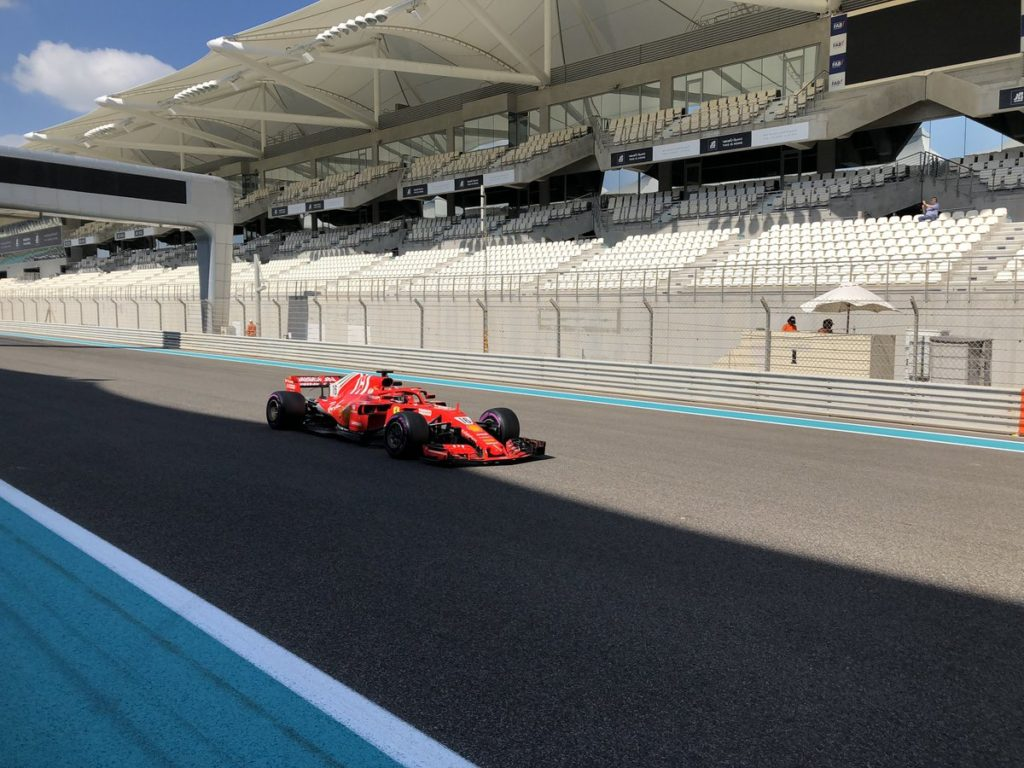 Formula 1 | Test Abu Dhabi: Leclerc scende in pista con la Ferrari [VIDEO]