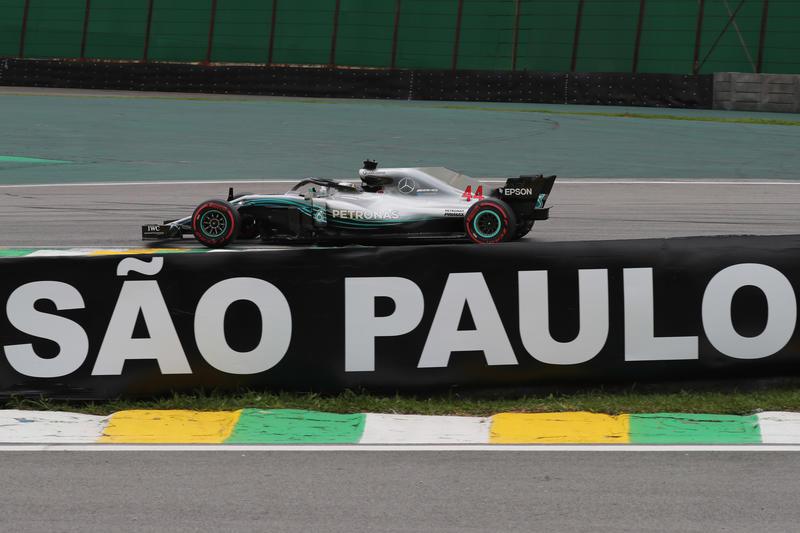 F1 GP Brasile, Qualifiche: decima pole stagionale per Hamilton