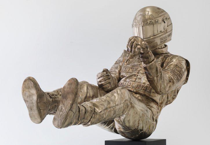 F1 | Omaggio a Senna: la scultura in bronzo di Paul Oz