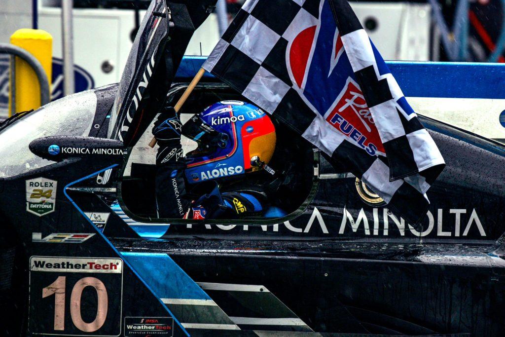 """Carlos Sainz Senior elogia Alonso: """"Daytona ha confermato il suo enorme talento"""""""