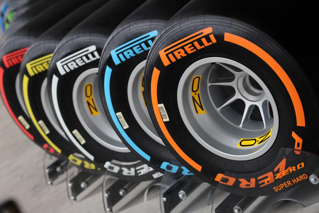 F1 | Pirelli, svelati i colori delle mescole per i test pre-season di Barcellona