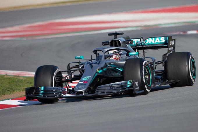 """Test F1   Mercedes, Hamilton: """"È stata una prima giornata positiva, abbiamo completato il lavoro pianificato"""""""