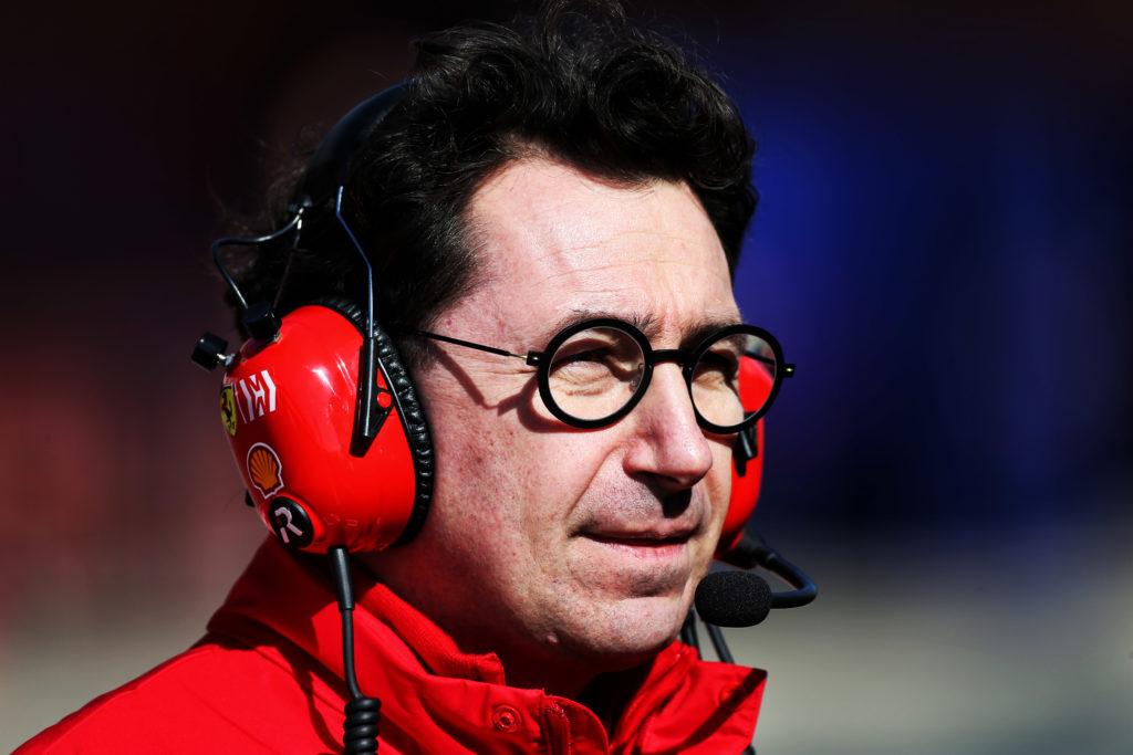 Formula 1 Test | Barcellona, Binotto e Camilleri presenti all'interno del garage Ferrari