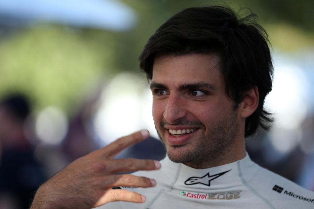 "Formula 1 | Sainz gongola: ""La nuova McLaren è molto elaborata, mi piace"""