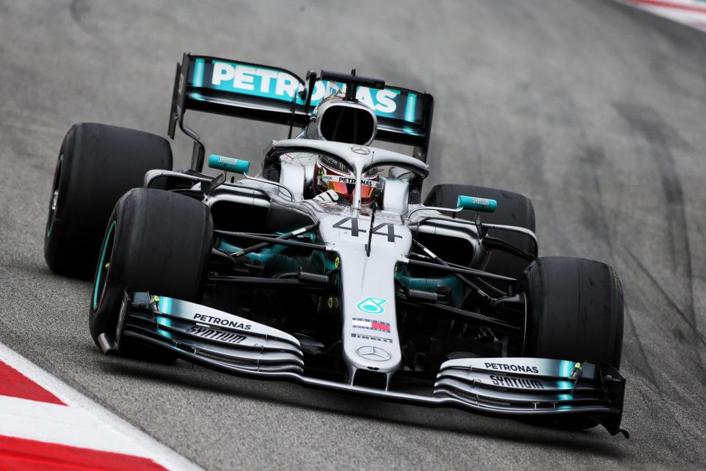 """Test F1   Mercedes, Hamilton: """"La competizione è molto forte"""""""