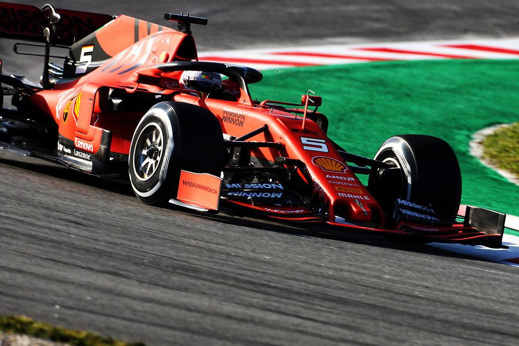 Test F1 Barcellona: Vettel al comando, segue Perez
