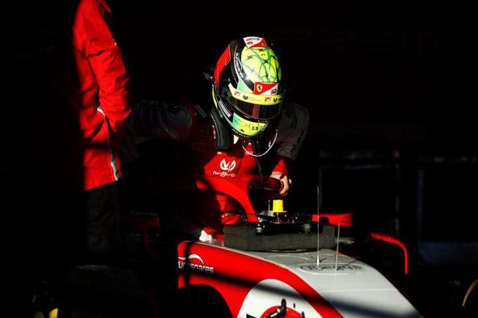 F1, Mick Schumacher prepara il debutto in Ferrari: