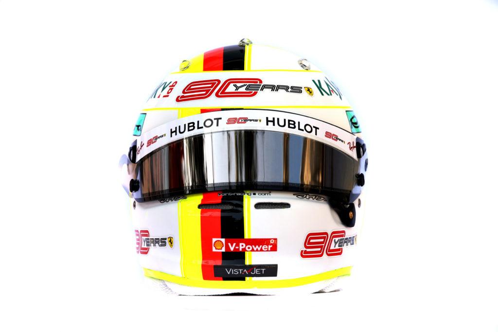 F1 | Ferrari, il logo '90 Years' presente sui caschi e sulle tute di Vettel e Leclerc