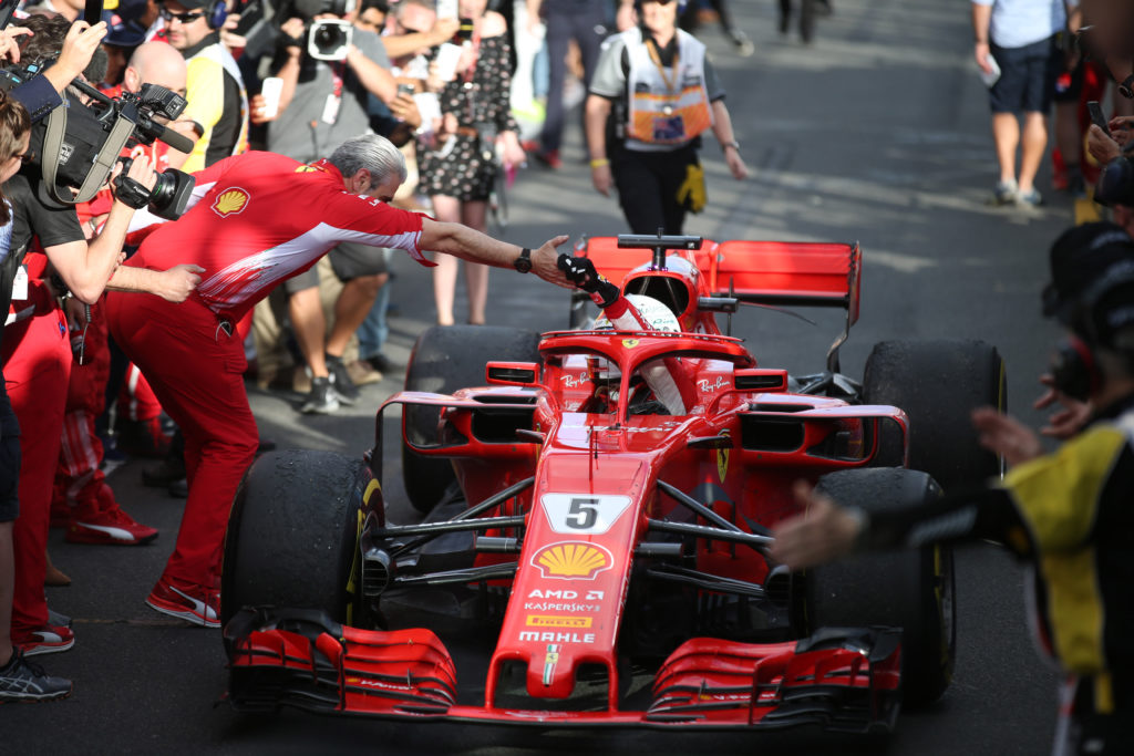 Formula 1: Hamilton subito leader in entrambe le prove libere di Melbourne