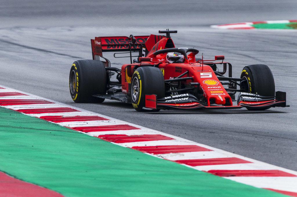 F1   Ferrari, Vettel il signore del 'cinque'