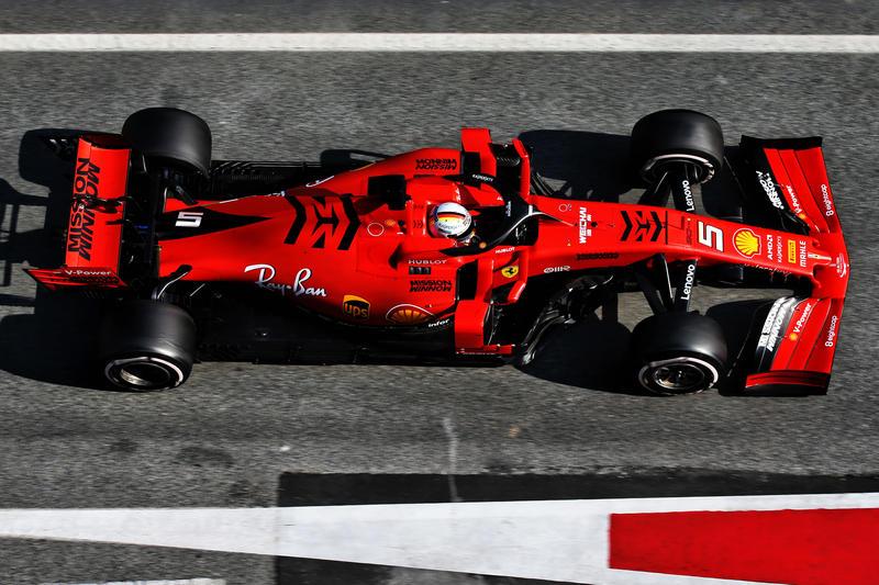 Test F1 Barcellona Sessione 2, Day 4: Vettel primo con stop, Hamilton vicinissimo