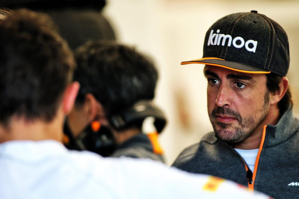 F1 | McLaren, Alonso in pista nella sessione di test in Bahrain