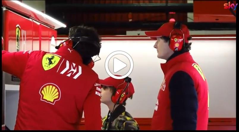 F1 Test | Sorpresa all'interno del box Ferrari: John Elkann a Barcellona per seguire l'attività di Vettel e Leclerc [VIDEO]