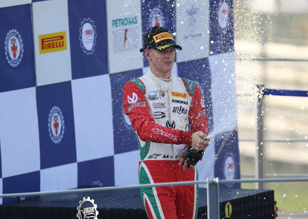 F1: Mick Schumacher, debutto con la Ferrari nei test post Bahrain