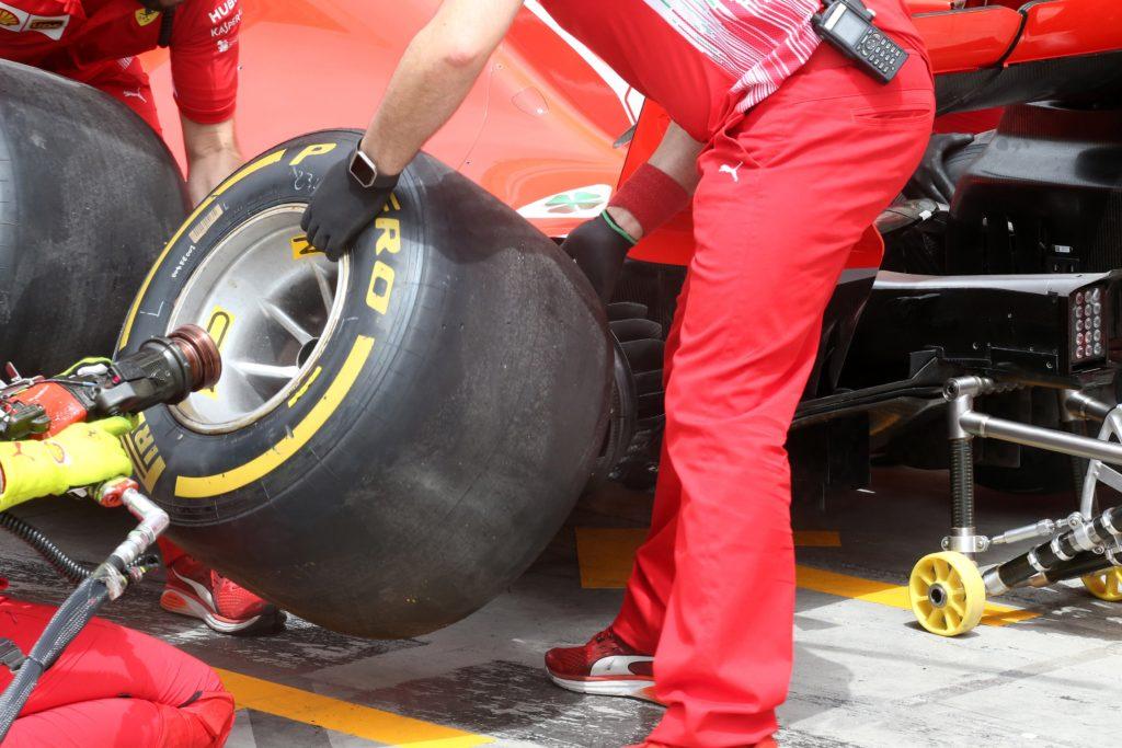 F1 | GP Bahrain, Mario Isola spiega le scelte di Pirelli per l'appuntamento a Manama