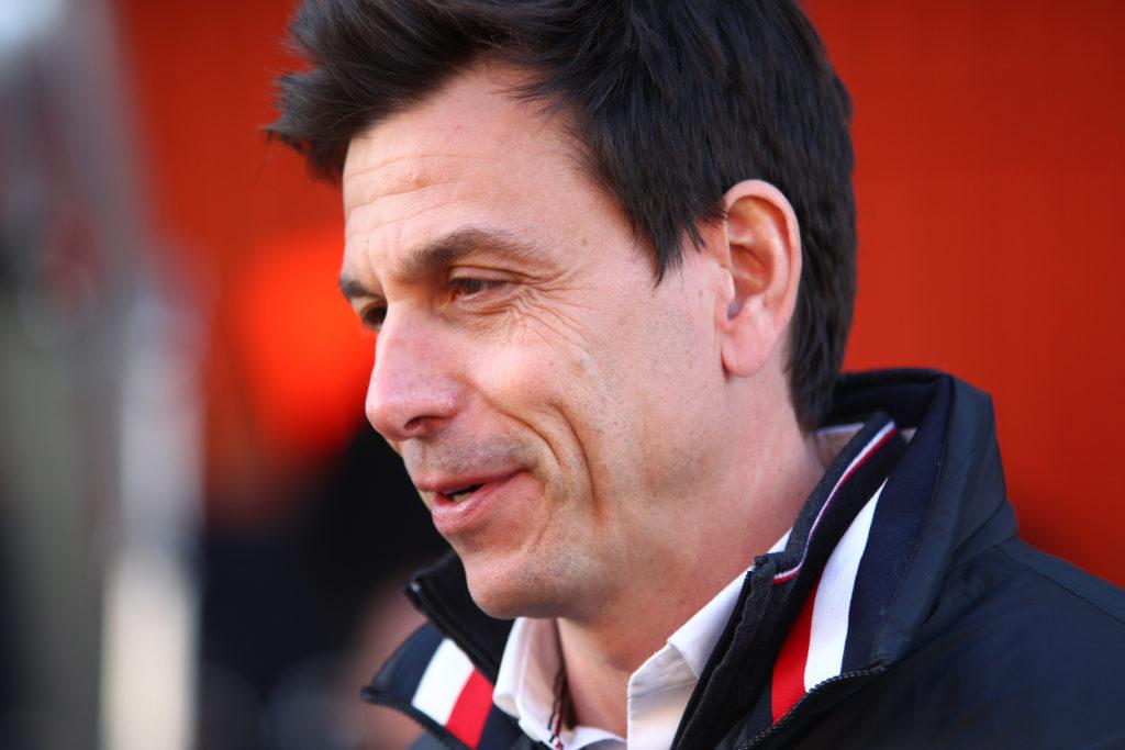 Toto Wolff crede che la Ferrari sarà la favorita a Melbourne