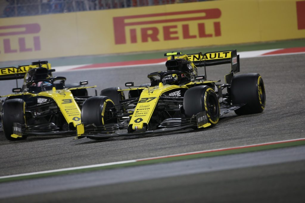 F1 | Doppio ritiro Renault in Bahrain, Ricciardo e Hulkenberg in cerca di riscatto