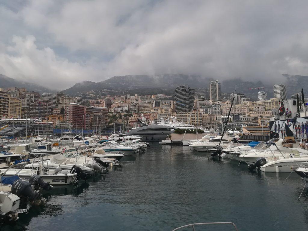 F1 | Il mercoledì a Montecarlo: la vita nel paddock del Principato
