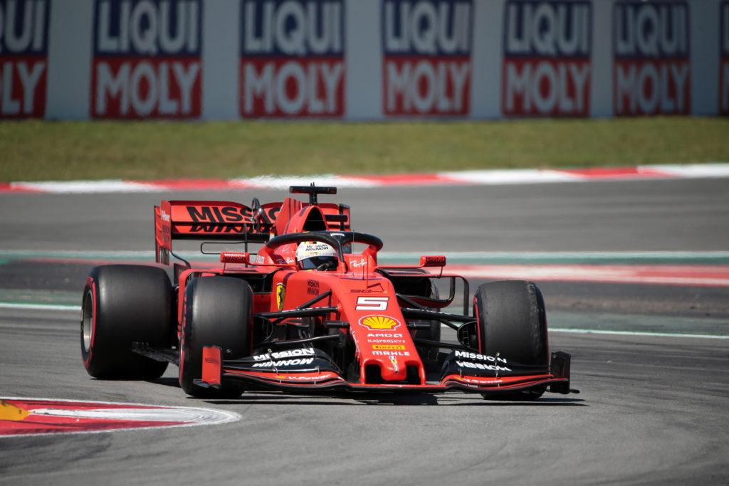 F1   GP Spagna, Vettel e Leclerc completano quaranta giri nelle FP1 di Barcellona