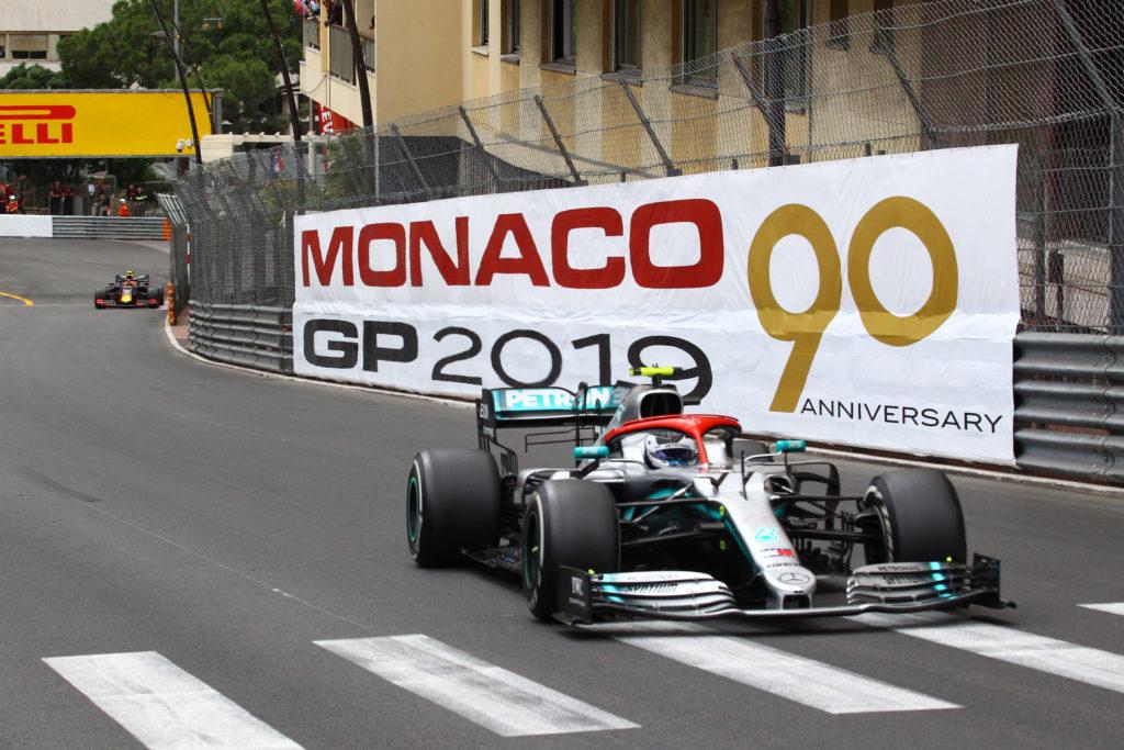 F1   Mercedes, Källenius conferma l'impegno della squadra fino al 2025