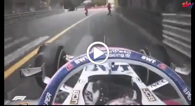 Formula 1 | Pericolo a Monaco, Perez rischia d'investire due marshals [VIDEO]