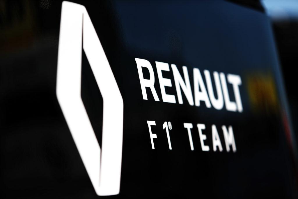 F1   Renault, incidente per un camion diretto all'Hungaroring