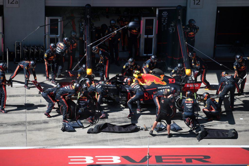 """F1   Red Bull, Horner loda i meccanici per il pit stop di Silverstone: """"Siamo davvero orgogliosi di loro"""""""