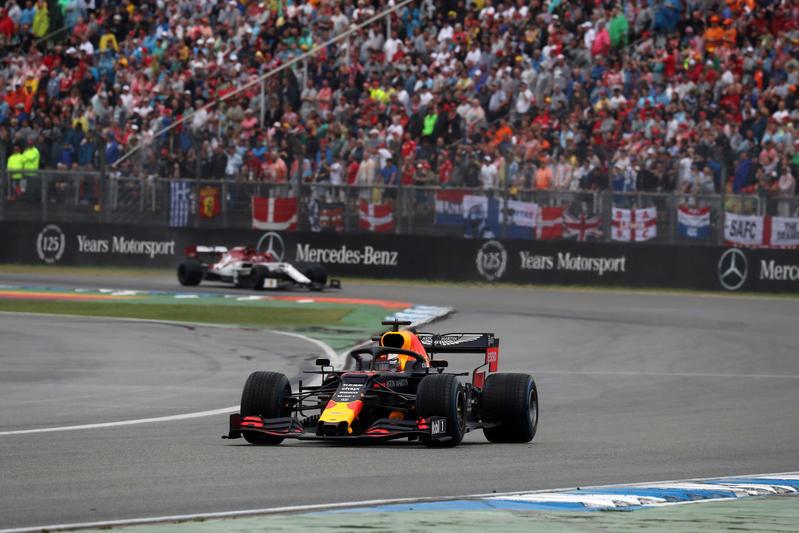 F1 | GP Germania: trionfo di Verstappen, Vettel e Kvyat sul podio